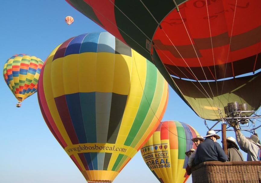 Medium foto globo boreal 1 y 2. vuelo pasajeros