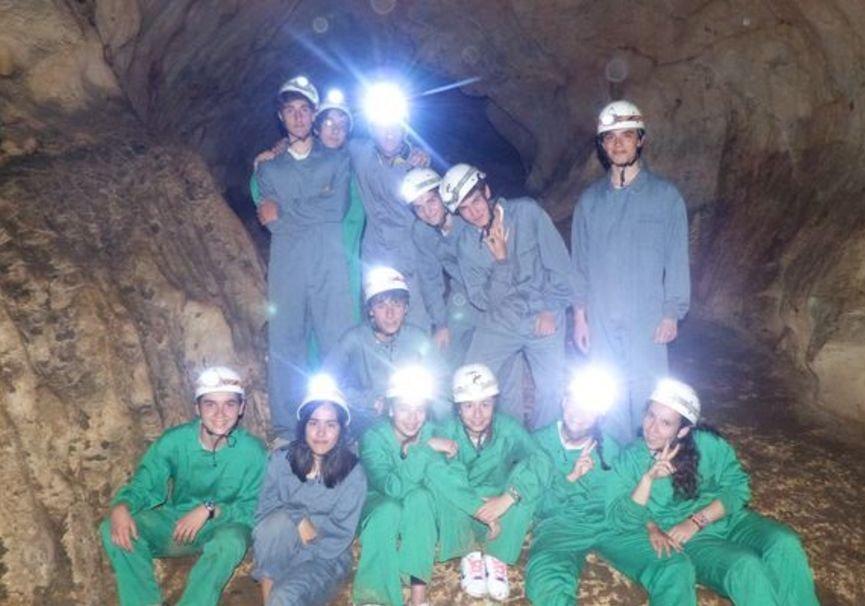 Medium cuevas burgos cantabria