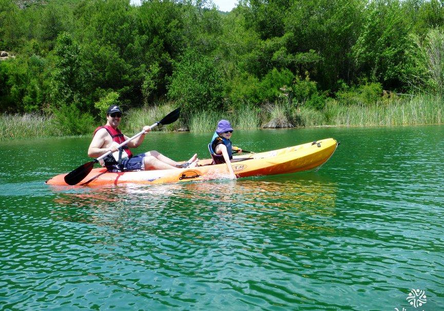 Medium kayak 002