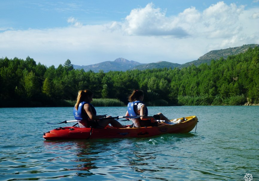 Medium kayak 001