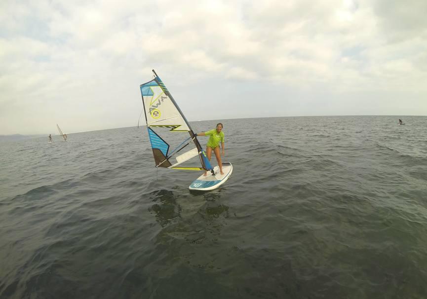 Medium curso basico windsurf almeria