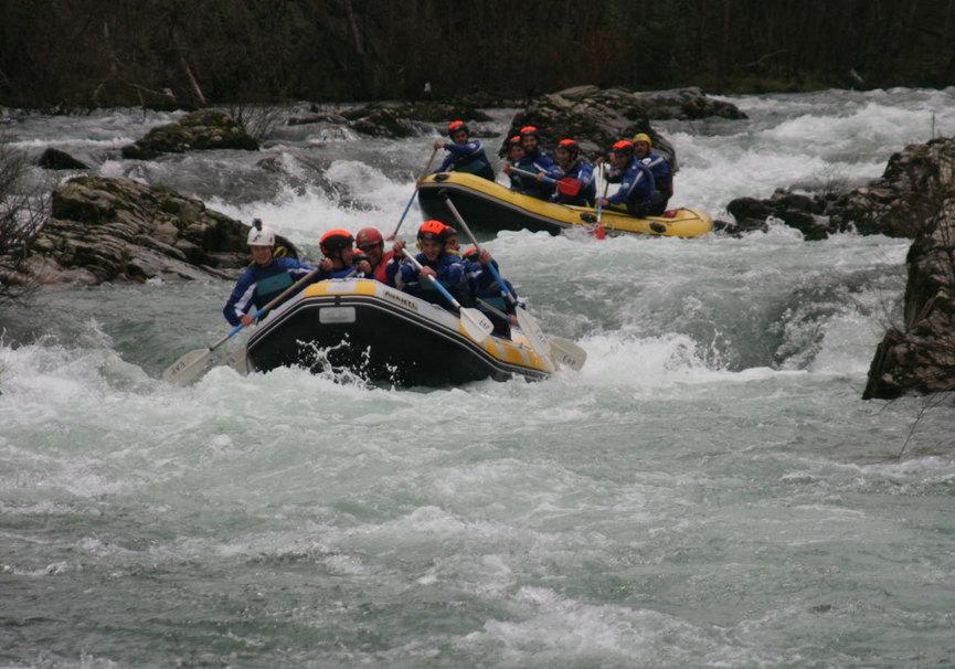 Medium raft