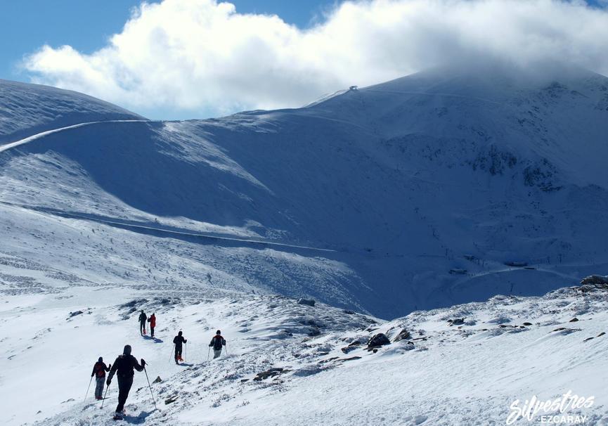 Medium excursiones raquetas de nieve valdezcaray guia monta%c3%b1a silvestres