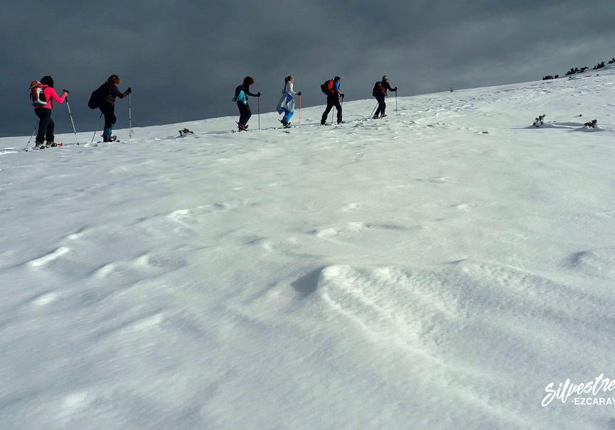 Medium raquetas de nieve valdezcaray alquiler rutas guiadas silvestres