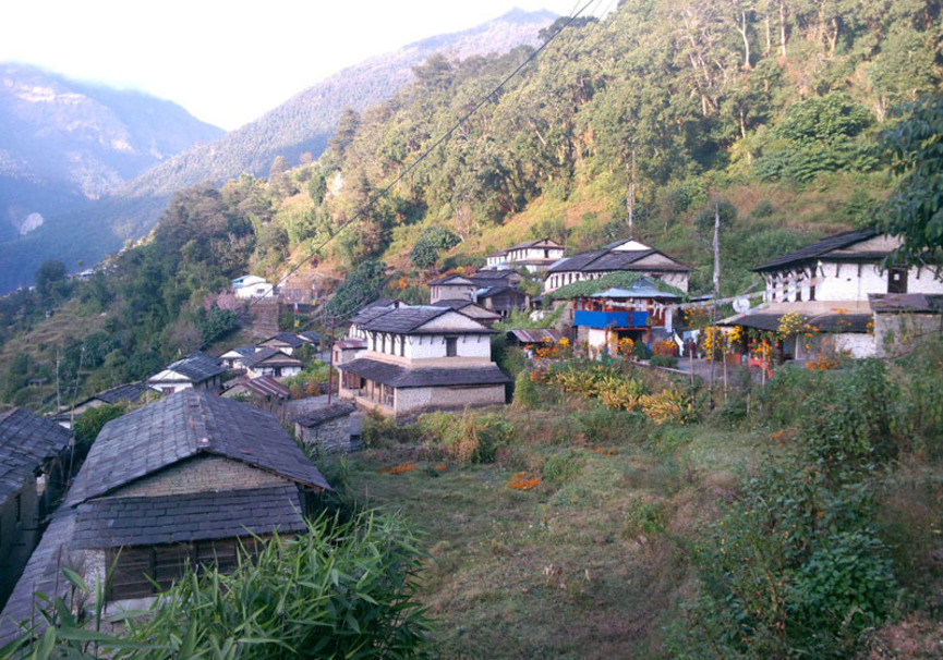 Medium houses at ghorepani