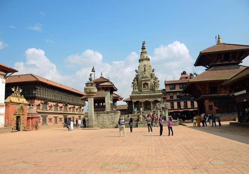 Medium kathmandu bhaktapur 01 2 bhaktapur durbar square with golden gate and palace of 55 windows on left  king bhupatindra malla column  teleju bell  vatsala durga temple in middle  pashupatinath temple on right