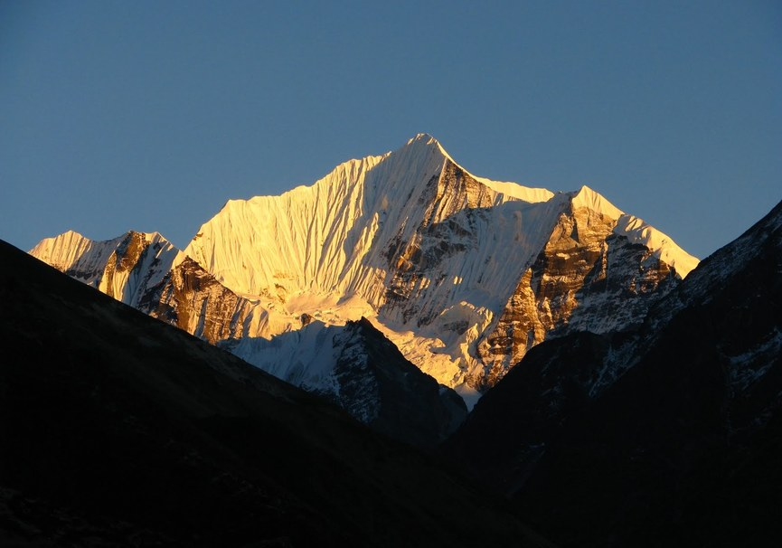 Medium yala peak langtang