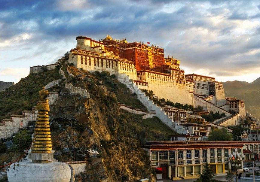 Medium tibetpalace 1250x650