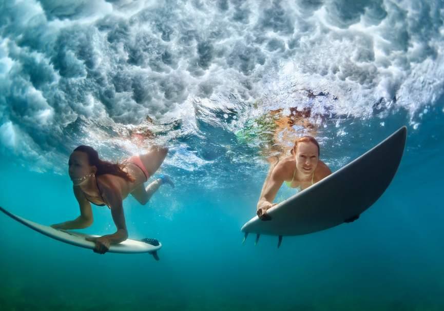 Medium surf day algarve   portugal happens