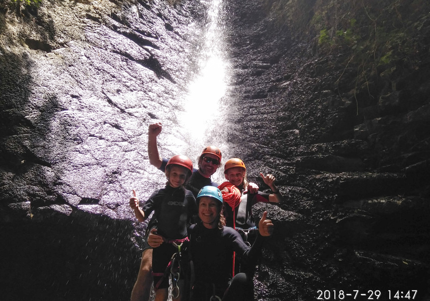 Medium climbo canyoning cernicalos 18 006