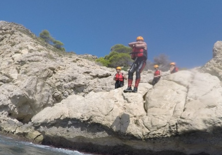 Medium coasteering villajoyosa deporteaventura