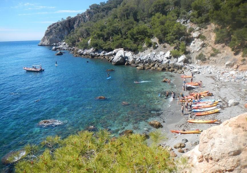 Medium ruta guiada de paddle surf o kayak por la herradura y maro2