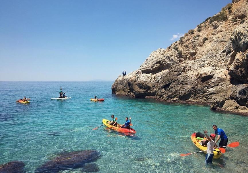Medium ruta guiada de paddle surf o kayak por la herradura y maro6