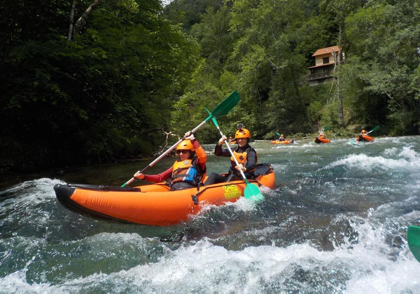 Medium canoa raft picos de europa 4