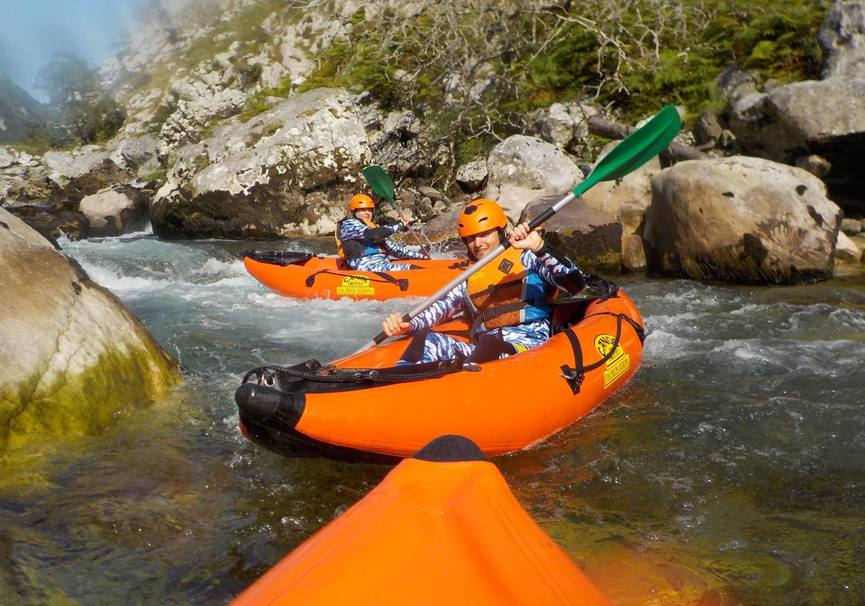 Medium canoa raft picos de europa 1